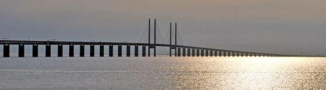 800px-Øresund_Bridge_-_Øresund_crop