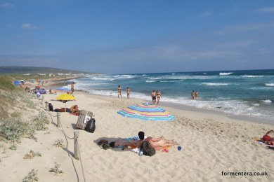 voga_mari_migjorn_beach_formentera-5