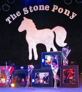 clemons_memorial_at_pony_400