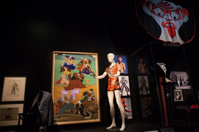 david-bowie-is-exhibition-2015150715-013