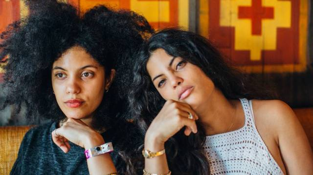 dinner-and-a-show-a-spicy-chat-with-ibeyi-1461717317