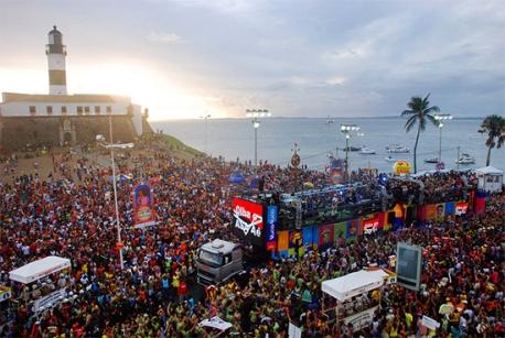 carnaval-de-salvador-bahia-2016-musica-axe-reggea-foliao