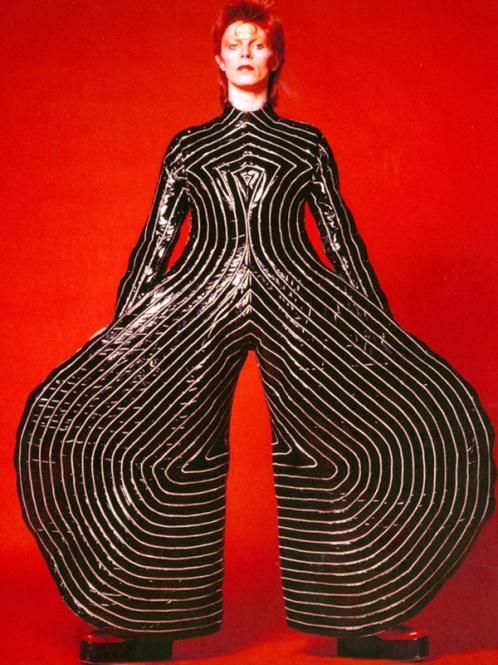 1-striped-bodysuit-for-aladdin-sane-tour-1973-design-by-kansai-yamamoto-photograph-by-masayoshi-sukita-sukita-the-david_-bowie_archive_20121-1