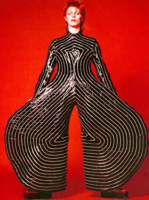 1-striped-bodysuit-for-aladdin-sane-tour-1973-design-by-kansai-yamamoto-photograph-by-masayoshi-sukita-sukita-the-david_-bowie_archive_20121-1