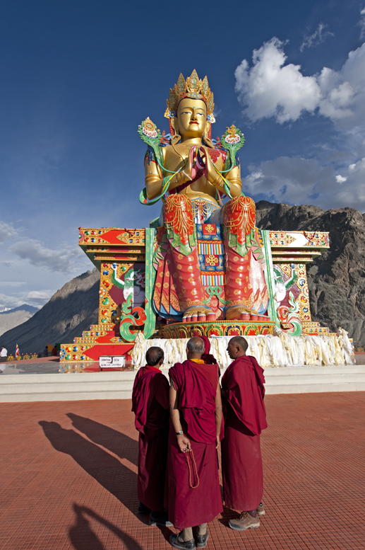 17Nubra-valley-monks-and-Maitreya