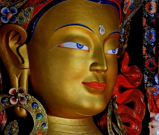 Close_up_of_Maitreya_Buddha_at_Thiksey_Monastery_DSCN6617_1